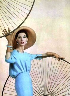 L'Officiel March 1958  Pierre Cardin photo Guy Arsac