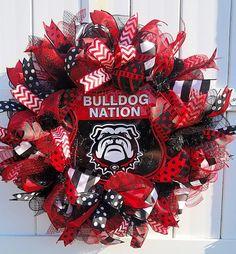 Georgia Bulldogs Wreath Dawgs Wreath University of Georgia Georgia Bulldog Wreath, Georgia Bulldogs, Deco Mesh Wreaths, Door Wreaths, Wreath Boxes, Wreath Ideas, Georgia Wreaths, Creative Gift Packaging, Bulldog Mascot