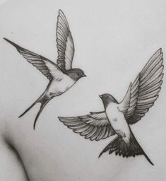 Swallow tatoo - Tattoos - Tattoo World Hand Tattoos, Flower Tattoos, Arm Tattoo, Body Art Tattoos, New Tattoos, Small Tattoos, Sleeve Tattoos, Tattoos For Guys, Cool Tattoos