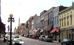 Travel | Kentucky | Oldest Town | Harrodsburg | Day Trips | Weekend Trips | Field Trip Ideas | Getaways | Explore | Road Trip | Family Trips | Towns To Visit