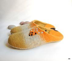 Women felted wool slippers orange Fox handmade house by AMdreAM Fox Slippers, Felted Wool Slippers, Womens Slippers, Handmade House, Handmade Gifts For Her, Felt Shoes, Baby Shoes, Felting, Wool Felt