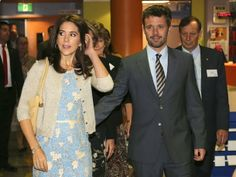 October 26, 2013  Official trip to Sydney - Day 3 Prince Frederik and Princess Mary continued their official visit to Sydney. The program today, the couple visited a children's hospital where they met the twins. Mary is the patron of the Twin Registry. Then they attended the launch of action to protect children and adolescents from violence. This action is carried out in partnership with Allanah & Madeline Foundation.