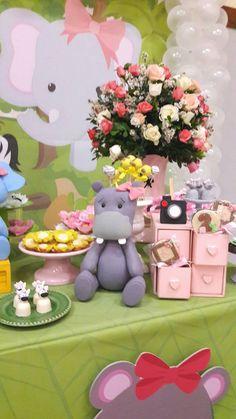 Apaixonada por esta Festa Safari Rosa. Decoração Decor Dreams. Lindas ideias e muita inspiração! Bjs, Fabíola Teles.   &nb...