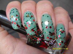 https://flic.kr/p/aVNdn4 | Unhas de Natal!! | Amei essa combinação!!!  Usei: 2x Maresia (Panvel) 1x Christmas Tree (Sancion Angel Pure Glam) 1x Extra brilho Ideal