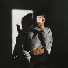 How to Make It As a Fitness Model - Women Plan Selfie Poses, Selfies, Photos Tumblr, Gina Lorena, Foto Casual, Photo Portrait, Insta Photo Ideas, Tumblr Girls, Photography Poses