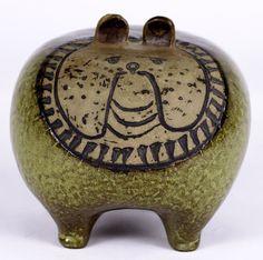 Bulldog: ceramic animal figurines by Swedish artist Lisa Larson