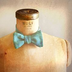 Great Gatsby inspired - Dr TJ Eckleburg - Mens / Boys Bow Tie - JAZZ AGE Number 99 - Limited Edition Remnant Peacock Papyrus Linen on Etsy, $42.00