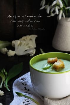 Supa crema de conopida cu leurda Veggie Recipes, Soups, Veggies, Cooking, Tableware, Kitchen, Food, Gourmet, Dinnerware