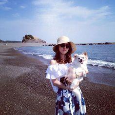 寝て体調少しずつ復活してます✨優しいコメントありがとうございます😭❤️また明日から頑張ります💪💕 昨日から7月はやーい🎋✨ いよいよ夏ー!🌺🐠暑いの苦手💦でも今日はちっちゃーいhappyがあったから頑張る❤️ 7月は目標のために一つずつゆっくりと課題をクリアしていく💖相方ちゃんありがとう😍💋 写真はベアーズロックを背景にきなちと🐶💕岩が熊に見えるからそう言われてるらしい🐻✨きなちいスマイルー😊❤️ #ゆきなこ#海#sea#beach#sky#夏#和歌山#すさみ町#ファッション#fashion#コーデ#code #チワワ#チワワらぶ#ロンチー#ロングコートチワワ#Chihuahua#dog#愛犬#ペット#親バカ#犬好きな人と繋がりたい#犬好き#犬なしでは生きていけません会#わんこ#癒しわんこ#犬#愛犬家