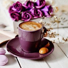 images about coffee&tea/cups☕️ on We Heart It Fresh Coffee, I Love Coffee, Hot Coffee, Good Morning Coffee, Coffee Break, Coffee Cafe, Coffee Drinks, Momento Cafe, Breakfast Tea