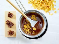 Schoko-Cornflakes-Kekse selber machen – so geht's | LECKER