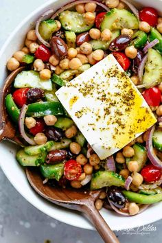 Greek Chickpea Salad with an authentic greek salad dressing is a favourite salad to serve as a main OR as a side! Healthy and filling! Mediterranean Diet Recipes, Mediterranean Dishes, Authentic Greek Salad Dressing, Healthy Cooking, Cooking Recipes, Greek Chickpea Salad, Greek Salad With Chicken, Mediterranean Chickpea Salad, Greek Appetizers