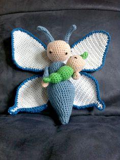 Vlinder Bree en rups Calin gehaakt door Ewa N - haakpatroon van Zabbez