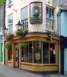 The Nutshell - Bury St. Edmunds Worlds Smallest Pub