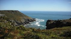 Soar Mill Cove is an enchanting beach surrounded by craggy rocks© Jeremy Grimoldby