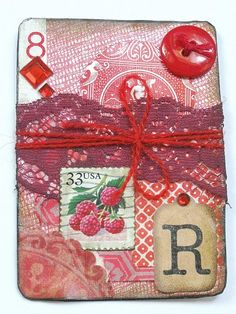 Upcycle old playing cards into Artist Trading Cards. Atc Cards, Bingo Cards, Card Tags, Craft Cards, Cards Diy, Playing Card Crafts, Playing Cards Art, Altered Books, Altered Art