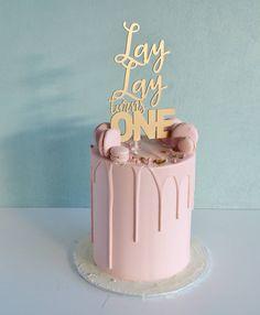 CUSTOM CAKE STUDIO  Based in Mckinnon, supplying cakes all over Melbourne!  http://missladybirdcakes.bigcartel.com/