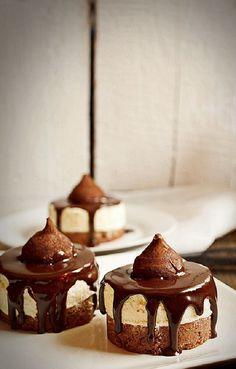 Karácsonyi fehér csokoládéhabos finomság, csokoládéval leöntve!
