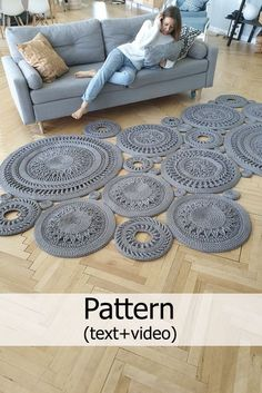 Crochet Rug Text Description Of Each Row - Diy Crafts Crochet Carpet, Crochet Home, Crochet Crafts, Crochet Projects, Diy Crafts, Crochet Rug Patterns, Crochet Stitches, Knitting Patterns, Crochet Mandala Pattern