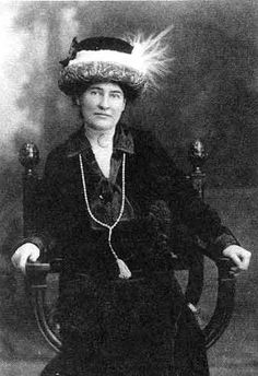 Things Famous Authors Liked - Willa Cather liked really cool hats...H.G. Wells liked aliens - who knew?