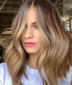 Balayage Brunette, Brunette Hair, Balayage Hair, Sun In Hair Lightener, Growing Out Bangs, Vibrant Hair Colors, Low Maintenance Hair, Honey Blonde Hair, Brown Ombre Hair