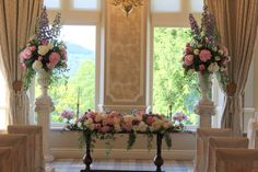 the scene was set for the ceremony with two of our magnificent pedestals framing the Registrars table which was dressed with a magnificent floral design