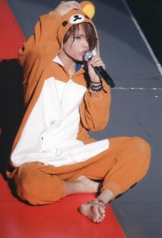 Who else but our Uepi could look so africkin'dorable in a full body bear suit?