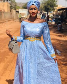 Bazin femme bleu Latest African Fashion Dresses, African Dresses For Women, Big Girl Fashion, Fashion Couple, Zara Shop, Hijab Fashion, Fashion Outfits, Dec 8, Basin