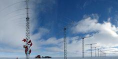 Halley VI Antarctique - Cette station poursuivra ainsi les recherches concernant le champ magnétique et l'atmosphère de la Terre, entamées depuis la création de la première base antarctique Halley en 1956. Entre autres, ces recherches ont permis d'identifier un trou dans la couche d'ozone en 1985.