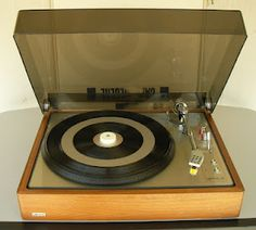 Lenco L-85 turntable - Click on photo for more stereo pics.