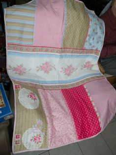 blankie for my niece... (the fabric came printed like that... just quilted it up with a trim and backing fabric)