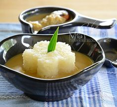 Serawa Pulut Durian Halal Desserts, Pudding Desserts, Asian Desserts, Dessert Recipes, Durian Recipe, Malaysian Food, Finger Foods, Nom Nom, Sweet Tooth