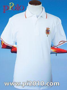 Polo blanco con bandera de España en cuello y bocamangas. Bordado del escudo Casa Real Felipe VI. 100% algodón. http://www.pi2010.com/index.php?route=product/category&path=59_89