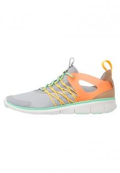Nike Sportswear - FREE VIRITOUS - Sneakers basse - wolf grey/total orange/green glow/laser orange