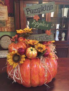 Fall pumpkin floral design 2015 Tara Powers Michaels of Midlothian Va. Pumpkin Arrangements, Fall Flower Arrangements, Pumpkin Centerpieces, Halloween Centerpieces, Harvest Decorations, Thanksgiving Decorations, Thanksgiving Pictures, Thanksgiving Wreaths, Primitive Fall Crafts