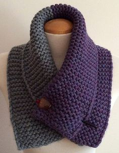Ravelry: Two toned neck warmer pattern by Mouton Rouge