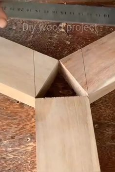 Carpentry And Joinery, Wood Joinery, Woodworking Joints, Easy Woodworking Projects, Woodworking Techniques, Woodworking Plans, Unique Woodworking, Woodworking Ideas Table, Popular Woodworking