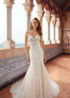 European Wedding Dresses, Simple Wedding Gowns, Classic Wedding Dress, Wedding Dress Trends, Perfect Wedding Dress, Boho Wedding Dress, Designer Wedding Dresses, Mermaid Wedding, Vestidos Boutique
