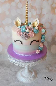Unicorn cake by Jitkap Einhornkuchen von Jitkap Raspberry Smoothie, Apple Smoothies, Emoji Cake, Buckwheat Cake, Cold Cake, Ricotta Cake, Cake Photography, Cupcakes, Salty Cake