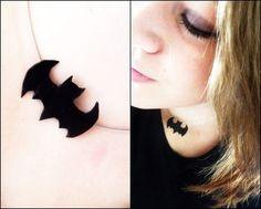 Batman Necklace A little necklace for all Batman-Fans! :) - NTS: also make Superman Wonder Woman and Flash
