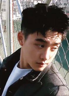 "sooranghaes: """"kyungsoo's neck series: ↳ neck stretch "" "" Kyungsoo, Chanyeol, Exo Ot12, Kaisoo, Fandom, Exo Korean, Wattpad, Exo Do, Korean Couple"