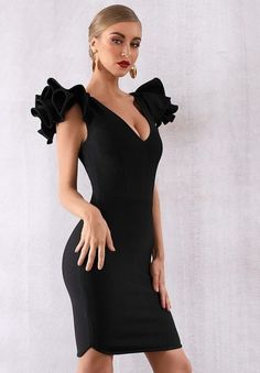 Looking beautiful and stunning on this dress. Classic and elegant style. Bodycon Dress Formal, Black Bodycon Dress, Formal Dresses, Dress Black, Rehearsal Dinner Dresses, Clubwear Dresses, Birthday Dresses, Classy Dress, Ball Dresses