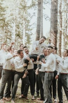Elegant Rustic Wedding in Gold Beach, OR – Junebug Weddings Elegant Rustic Wedding in Gold Beach, OR These fun groomsmen photos are perfect for a rowdy bunch Wedding Picture Poses, Funny Wedding Photos, Wedding Photography Poses, Wedding Poses, Wedding Pictures, Wedding Ceremony, Wedding Dresses, Wedding Group Photos, Rustic Wedding Photos