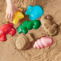With SANDIG your child can have fun using their imagination to build and sculpt with sand. Encourages role play which helps children to develop social skills by imitating grown-ups and inventing their own roles. Physical Play, Recycling Facility, Ikea Family, Busa, Social Skills, Sea Creatures, Your Child, Inventions, Have Fun