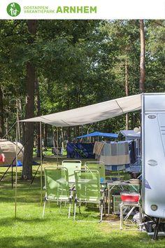 Het grote voordeel van een kampeervakantie in Arnhem? Tal van bruisende steden zijn op een kleine afstand van je verwijderd. En de prachtige natuur van Arnhem zorgt natuurlijk ook voor een unieke vakantieherinnering. Meer weten over de afgebeelde kampeerplaats op Vakantiepark Arnhem? Klik op de foto voor meer informatie. #oostappen #oostappenvakantieparken #vakantieparkarnhem #vakantieineigenland #vakantie2021 #arnhem