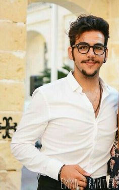 Ignazio y dulce saw dolce ciano Bella goodbye noche night oxoxoxo mama dulce saw dolce, . Sing for you il Volo unchained melody, . Yes goodbye noche night oxoxoxo 😊😂😇😢😙😘😚😎😭💪❤💋✌ te amor sexy strong beautiful Ojos color brown beautiful smile Beautiful Smile, Gorgeous Men, Unchained Melody, Sing For You, Picture Albums, Italian Men, Big Hugs, In My Feelings, News Songs