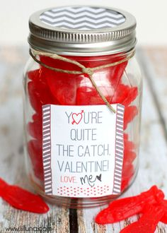 Cute and simple Valentine's Day Gift - Kisses Jar. An adorable and inexpensive way to gift kisses for your loved one on Valentine's. Handmade Gifts For Boyfriend, Valentines Gifts For Boyfriend, Boyfriend Gifts, Happy Valentines Day, Boyfriend Ideas, Boyfriend Birthday, Secret Valentine, Valentine Day Crafts, Valentine Ideas