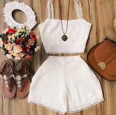 Foto Casual Shorts Outfit, Crop Top Outfits, Short Outfits, Teen Fashion Outfits, Swag Outfits, Kids Outfits, Cute Summer Outfits, Cute Outfits, Monday Outfit