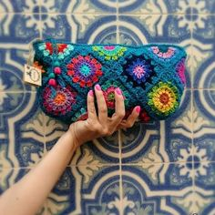 #crochet #croche #crochetbag #colour #crochetlover #crocheting #gipsy #grannys #grannysquares #gipsystyle #ganchillo #madewithlove…