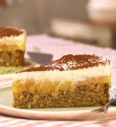 Apfelkuchen mit Nussboden und Apfel-Vanille-Creme